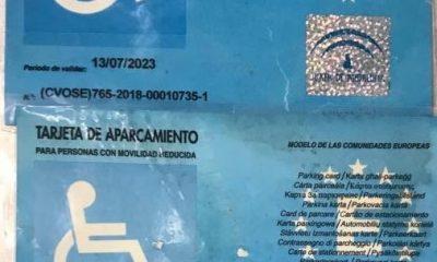 AionSur tarjetas-aparcamiento-400x240 Cuatro denunciados en Tomares por uso fraudulento de tarjetas de movilidad reducida Sociedad