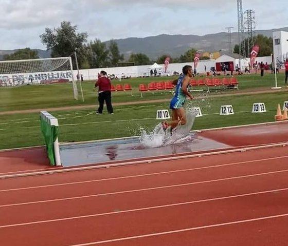 AionSur: Noticias de Sevilla, sus Comarcas y Andalucía 120373543_2422392674734984_4304900696799271255_n-min-560x480 Arahal se cuelga medallas y consigue buenas marcas en el andaluz Máster 2020 Atletismo