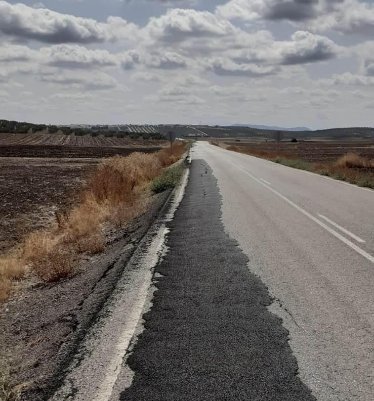 AionSur 121485426_2707715409467974_3751757164057698250_o-min Paradas solicita a Diputación el arreglo de dos carreteras importantes para el pueblo Paradas
