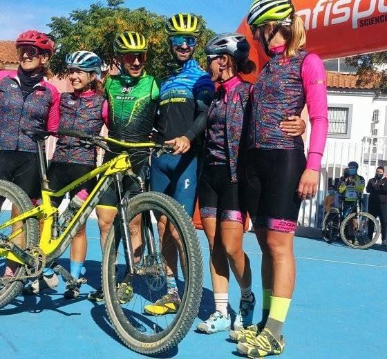 AionSur 122110492_151379226648357_113758624011556124_o-560x520 Pedalean 24 horas seguidas para dar visibilidad a la mujer en el ciclismo Ciclismo Sevilla