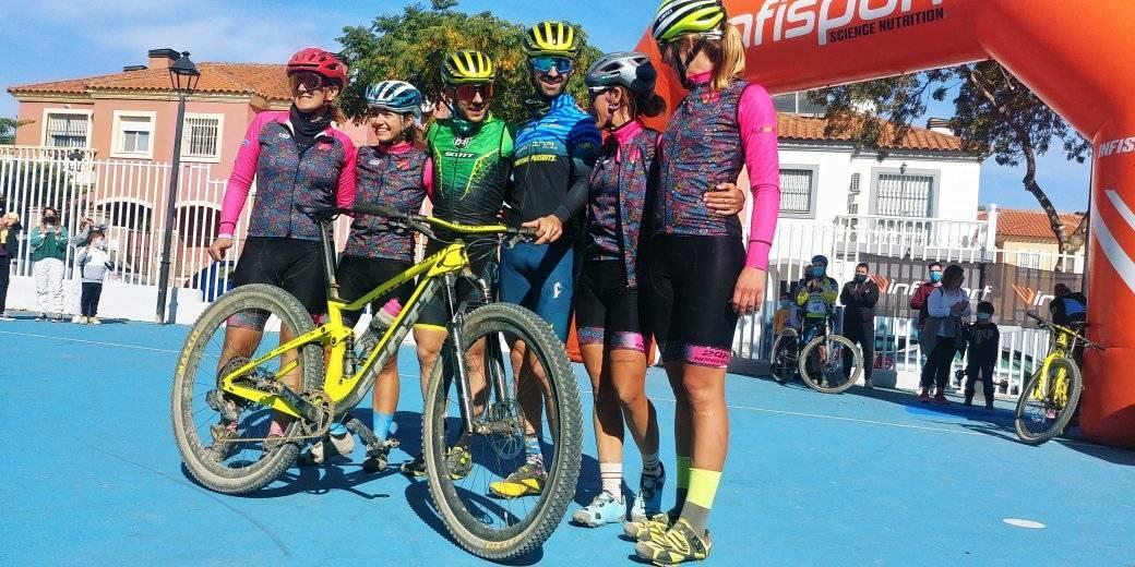 AionSur 122110492_151379226648357_113758624011556124_o Pedalean 24 horas seguidas para dar visibilidad a la mujer en el ciclismo Ciclismo Sevilla