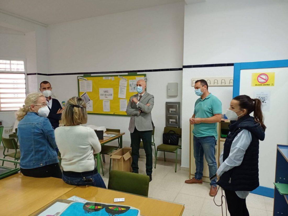 """AionSur: Noticias de Sevilla, sus Comarcas y Andalucía 122267755_1031065177355568_5681310420246212662_o-min Badolatosa implanta un sistema de desinfección pionero en un colegio para """"asegurar la salud de los escolares"""" Sierra Sur destacado"""