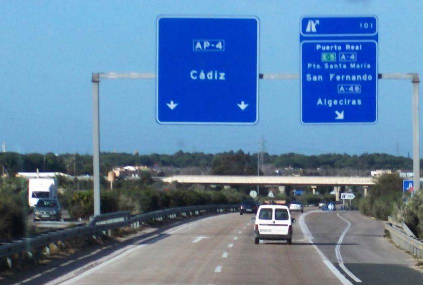 AionSur: Noticias de Sevilla, sus Comarcas y Andalucía 1544510877_393080_1544510937_noticia_normal-min Investigado por conducción temeraria circulando por la autopista Sevilla-Cádiz Sucesos