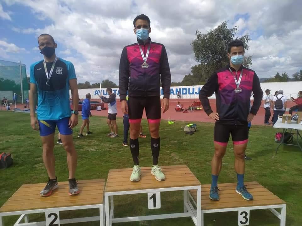 AionSur 81c21408-ef0f-4294-977c-d1be42f23970-min Arahal se cuelga medallas y consigue buenas marcas en el andaluz Máster 2020 Atletismo