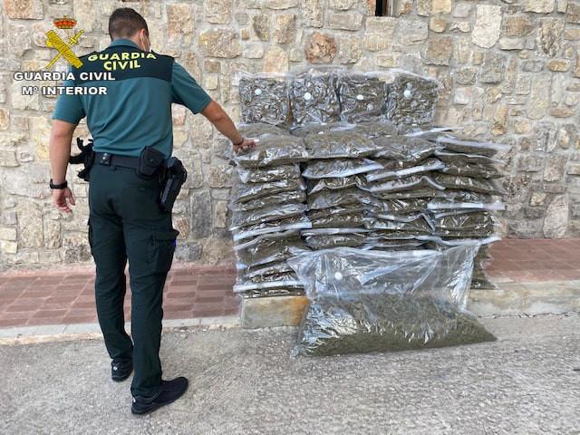 AionSur: Noticias de Sevilla, sus Comarcas y Andalucía FOTOGRAFIA-min Detenido en Lebrija cuando vendía dosis de marihuana y hachís en su moto Sucesos