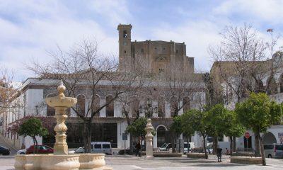 AionSur PLAZA-ESPANA-CON-COLEGIATA.B-min-400x240 Osuna se incorpora a la Red de Destinos Turísticos Inteligentes Osuna