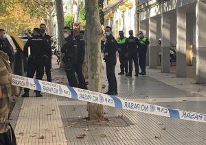 AionSur Policia-Huelva-2-300x212 Tiran a un contenedor en Huelva una cabeza humana en una bolsa de basura Sucesos destacado