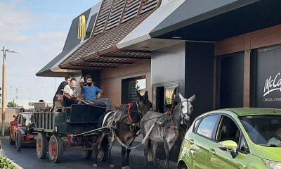 AionSur mcdonald-400x240 La curiosa forma de unos clientes de acudir a un McDonald's en Sevilla Sociedad
