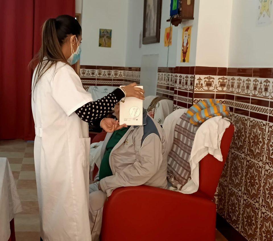 AionSur: Noticias de Sevilla, sus Comarcas y Andalucía 125868817_1640647676096260_7260505287819334773_n-min Videollamadas que alargan la vida en La Roda de Andalucía La Roda de Andalucía destacado