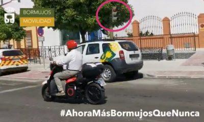 AionSur Alcalde-Bormujos-multa-400x240 El alcalde de Bormujos no será multado tras saltarse un semáforo al probar una moto Sociedad