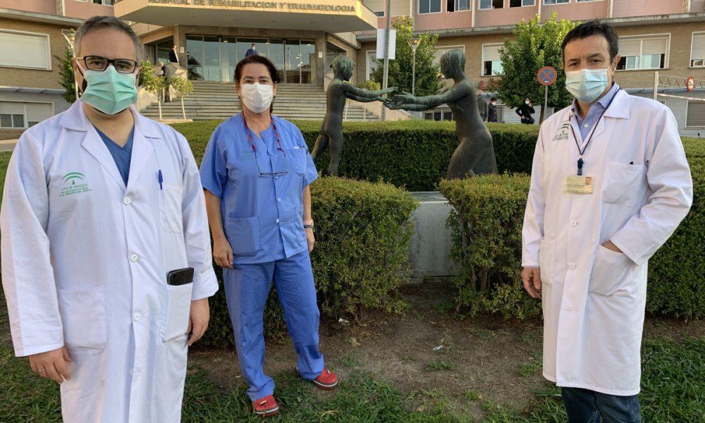 Una mujer de 29 años con hemorragia cerebral logra dar a luz con éxito en el Virgen del Rocío