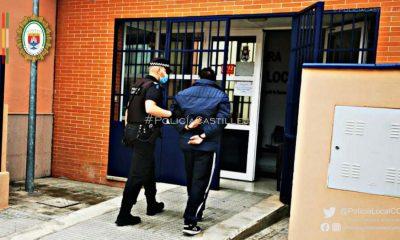 AionSur: Noticias de Sevilla, sus Comarcas y Andalucía Policia-Castilleja-400x240 Detenido tras partirle la nariz a su hermano y amenazarle de muerte con un martillo Castilleja de la Cuesta