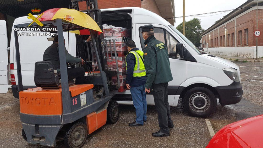 AionSur alimentos-guardia-civil La Guardia Civil de Sevilla recoge unas cuatro toneladas de alimentos Sociedad