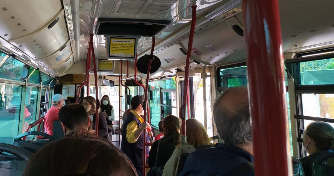 AionSur autobus-tussam A dos metros de la salud Coronavirus destacado