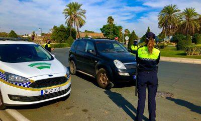 AionSur controles-policia-local-alcala-cierre-perimetral-min-400x240 Solo 47 de los 106 municipios de Sevilla no están cerrados perimetralmente Coronavirus