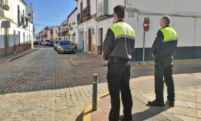 AionSur policia-benacazon-400x240 Estos son los pueblos que desde mañana están cerrados por la covid Coronavirus