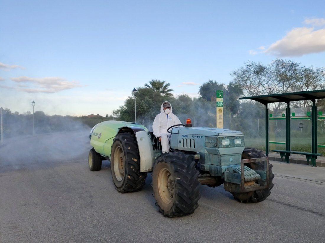 AionSur tractores-Benacazon Benacazón vuelve a sacar sus tractores a la calle para desinfectar el pueblo Coronavirus