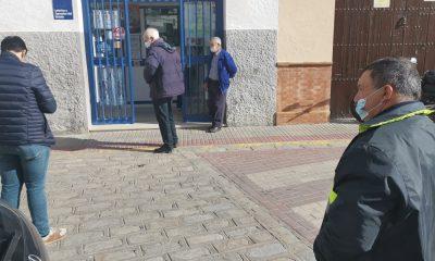 """AionSur 0f7ab933-2d71-4cc0-b58f-0f9d41c8a550-min-400x240 Miguel Jiménez, propietario Administración Lotería en Arahal: """"Necesitamos buenas noticias"""" Arahal destacado"""
