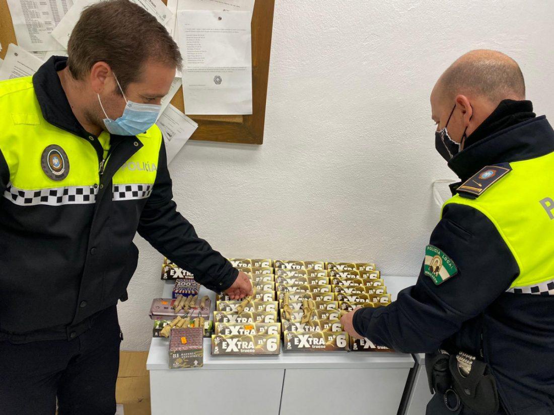 AionSur: Noticias de Sevilla, sus Comarcas y Andalucía Pirotecnia-Benacazon Incautados más de 300 artefactos explosivos que se vendían en Benacazón Benacazón