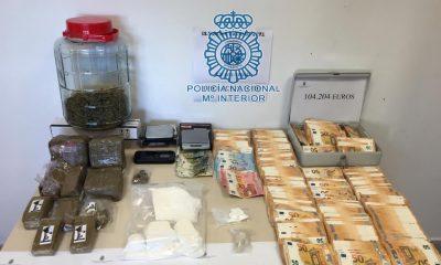 "AionSur policia-drogas-400x240 La Policía Nacional desmantela un piso de reparto de cocaína ""telecoca"" en Sevilla Sucesos"
