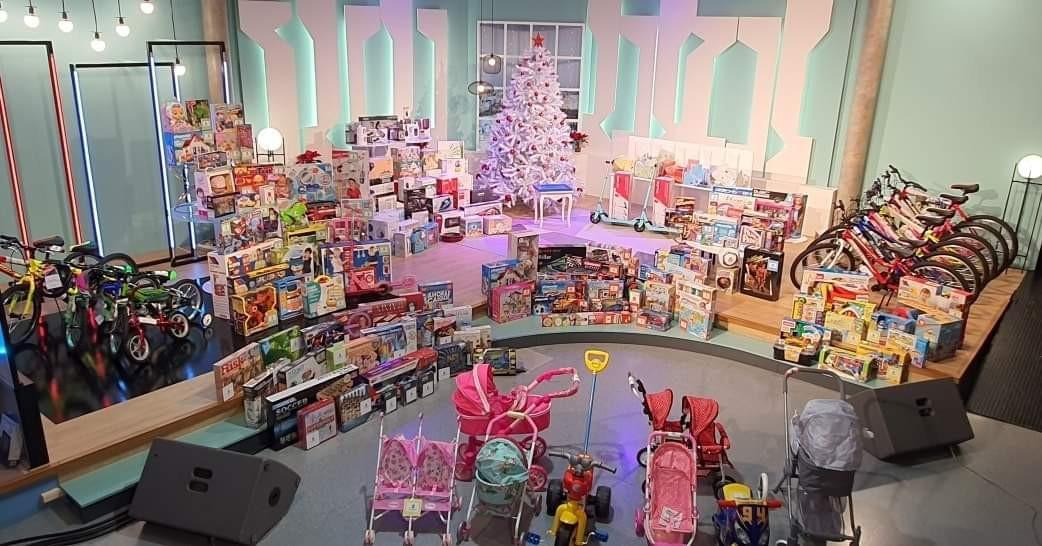 AionSur: Noticias de Sevilla, sus Comarcas y Andalucía Marchena-juguetes-1 Centenares de juguetes aparecen misteriosamente en Marchena Marchena destacado