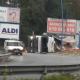 AionSur accidente-gelves-1-80x80 El vuelco de un camión colapsa la carretera de Sevilla capital a Gelves Sucesos