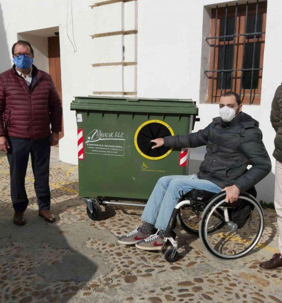 AionSur carmona-contenedor-560x600 Carmona instala en sus calles contenedores más accesibles Carmona