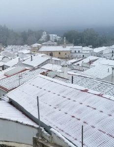 AionSur nieve-aracena-3-232x300 La nieve deja estampas para el recuerdo en la Sierra de Aracena, al norte de la provincia de Huelva Sociedad