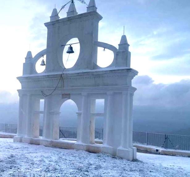AionSur nieve-aracena-4-1 La nieve deja estampas para el recuerdo en la Sierra de Aracena, al norte de la provincia de Huelva Sociedad
