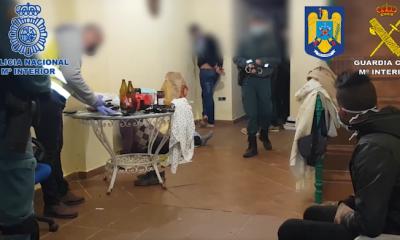 AionSur policia-detenidos-400x240 Desarticulada en Sevilla una organización criminal de trata de seres humanos Sucesos destacado