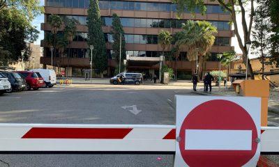 AionSur policia-endesa-400x240 El SAT ocupa la sede de ENDESA en Sevilla para protestar por los cortes de luz Economía destacado