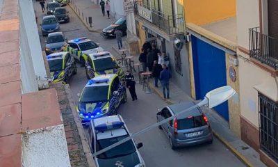 AionSur policia-paradas-2-400x240 Cuatro detenidos en Paradas tras una persecución desde Sevilla a 180 por hora Sucesos destacado