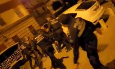 AionSur: Noticias de Sevilla, sus Comarcas y Andalucía disturbios-Sevilla-400x240 VÍDEO: Graves disturbios en Sevilla con dos detenidos y cinco policías heridos Sucesos  destacado
