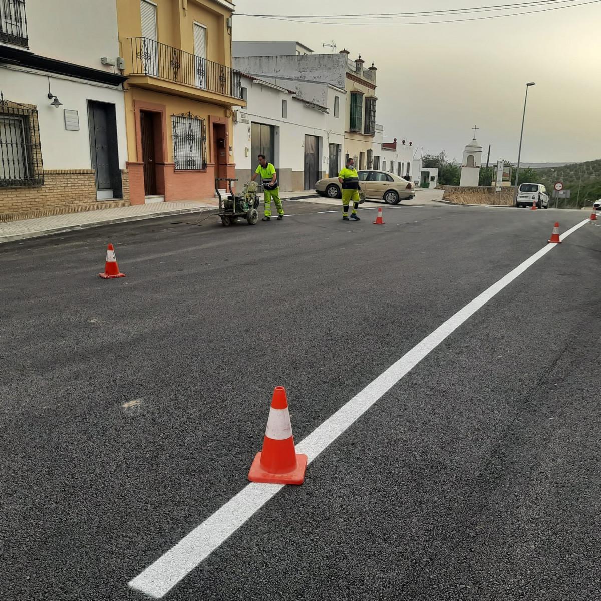 AionSur: Noticias de Sevilla, sus Comarcas y Andalucía 166182065_2851943025045211_6973670534559715851_n-min Reabre la carretera SE-5202 entre Paradas y Marchena una vez finalizadas las obras de drenaje urbano Paradas