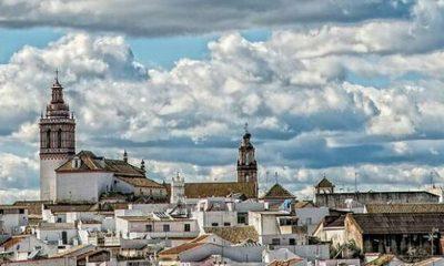 AionSur: Noticias de Sevilla, sus Comarcas y Andalucía Fuentes-Andalucia-localidad-casas-senoriales_1396670607_110527259_1200x675-min-400x240 La Guardia Civil denuncia casi 30 infracciones en un local de peleas de gallos en Fuentes de Andalucía Sucesos