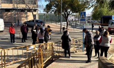 AionSur: Noticias de Sevilla, sus Comarcas y Andalucía IMG_1034-min-400x240 Vecinos de una calle de Arahal se concentran para que atiendan los problemas causados por una obra Arahal destacado