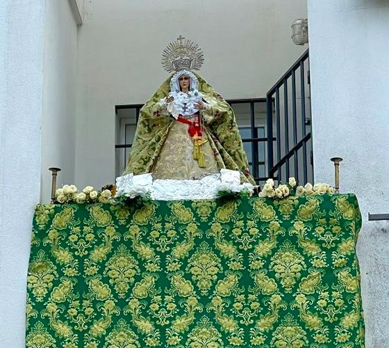 AionSur: Noticias de Sevilla, sus Comarcas y Andalucía Macarena-Utrera-1-560x500 Una réplica bendecida de La Macarena preside el balcón de un arahalense Semana Santa destacado