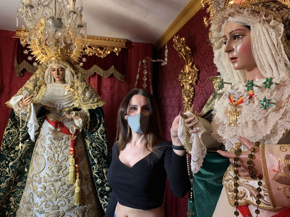 """AionSur: Noticias de Sevilla, sus Comarcas y Andalucía VIRGEN-AION-1 La Macarena y la Esperanza de Triana """"conviven"""" todo el año en una casa de Camas Semana Santa"""