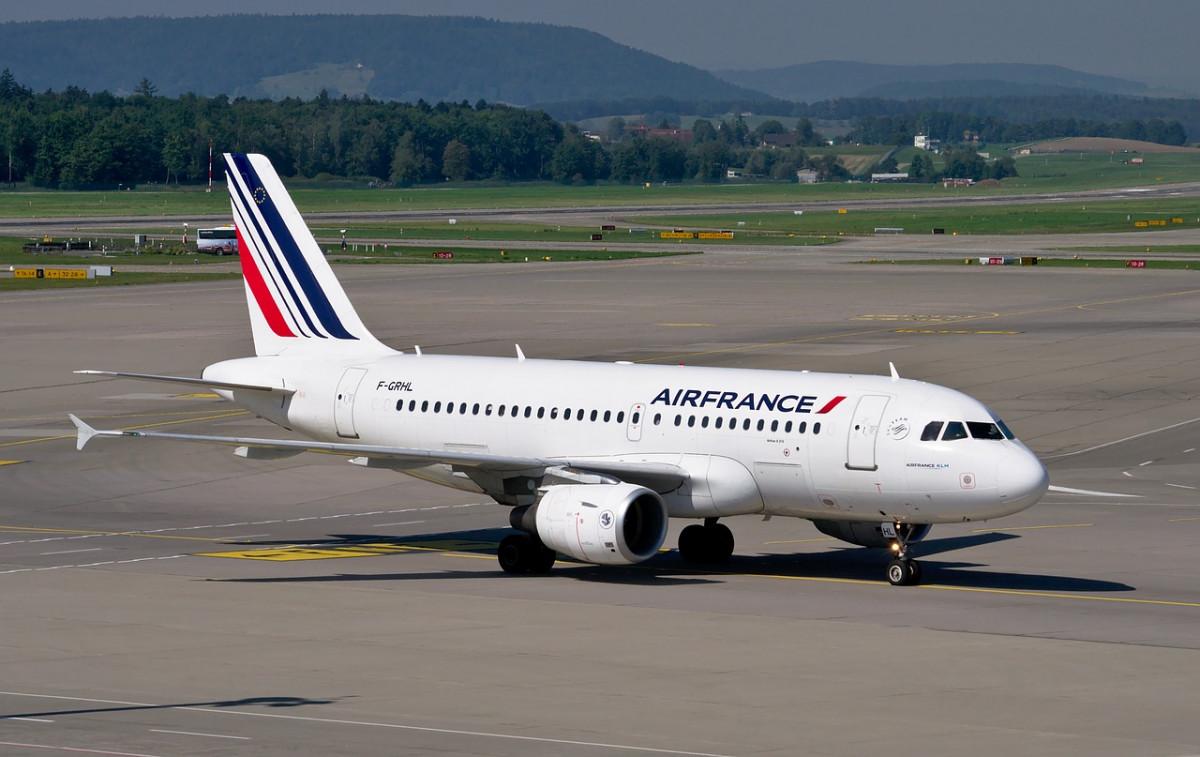 AionSur: Noticias de Sevilla, sus Comarcas y Andalucía air-france Sevilla y París vuelven a estar unidas por un vuelo de Air France Economía