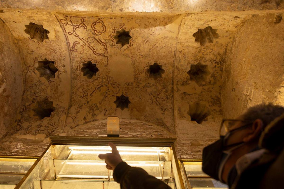 AionSur: Noticias de Sevilla, sus Comarcas y Andalucía bar-giralda-restos Abre para visitas el bar de Sevilla donde se ha descubierto un hamán almohade Cultura