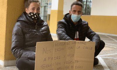 AionSur: Noticias de Sevilla, sus Comarcas y Andalucía huelga-hambre-bormujos-2-400x240 Piden trabajo y acceso a una vivienda ante el Ayuntamiento de Bormujos Sociedad