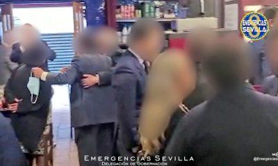 AionSur: Noticias de Sevilla, sus Comarcas y Andalucía Bar-Sevilla-400x240 Desalojan un bar en Sevilla con decenas de clientes hacinados y sin mascarillas Coronavirus