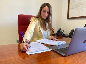 """AionSur: Noticias de Sevilla, sus Comarcas y Andalucía Maria-Ponce-300x225 María Ponce (Cs): """"El paquete de la Junta es el más ambicioso de ayudas a hoteles y alojamientos turísticos"""" Economía destacado"""