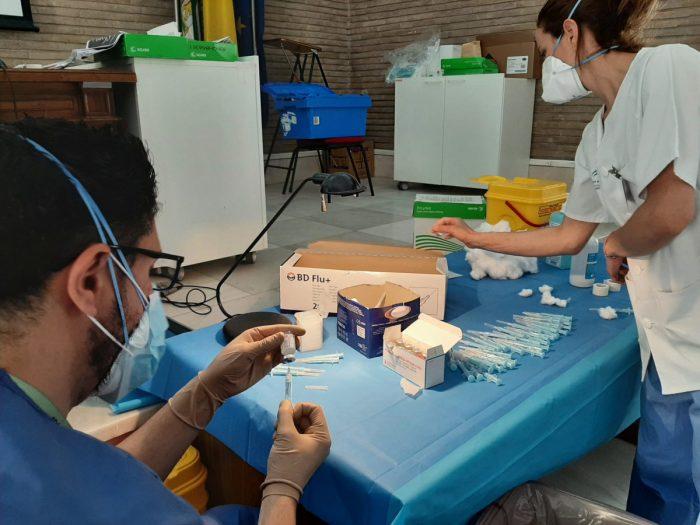 AionSur: Noticias de Sevilla, sus Comarcas y Andalucía Vacunacion-Grupo-7-e1618246888180 Andalucía suma 2.658 curados más en 24 horas Andalucía Salud COVID19 covid coronavirus