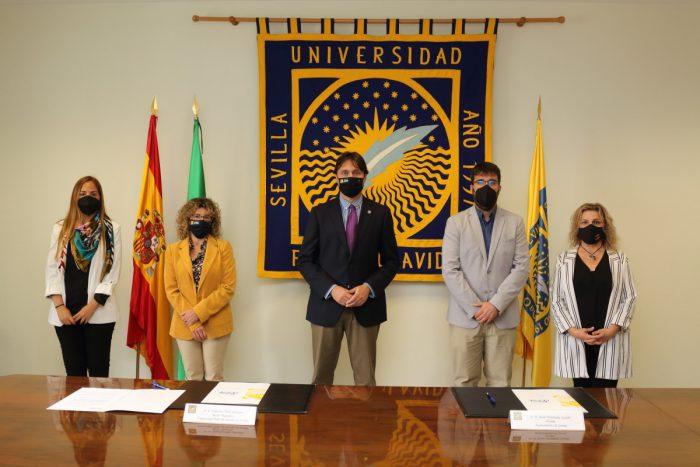 Gerena ratifica su compromiso con el Aula Abierta de Mayores de la UPO