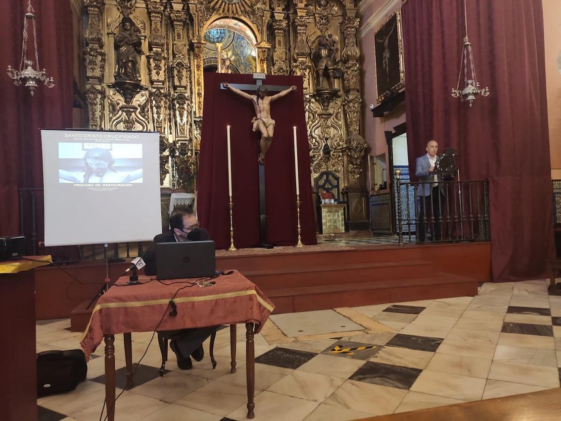 AionSur: Noticias de Sevilla, sus Comarcas y Andalucía cristo-arahal-1 La restauración del Santo Cristo Crucificado de Arahal, en detalle Arahal