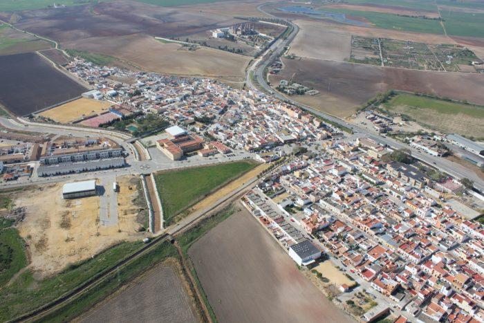 La Junta cierra la actividad no esencial en tres municipios sevillanos
