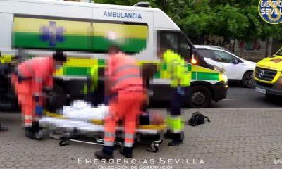 AionSur: Noticias de Sevilla, sus Comarcas y Andalucía peaton-atropellado-400x240 Un peatón herido tras bajar del autobús al ser atropellado en la acera por una moto Sucesos Sevilla noticias Sevilla información Sevilla actualidad Sevilla herido