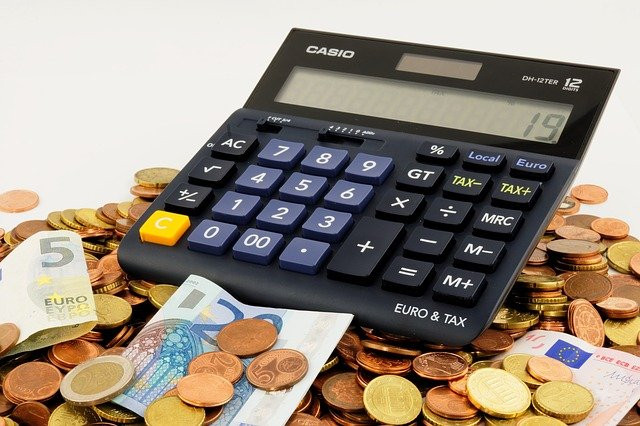 AionSur: Noticias de Sevilla, sus Comarcas y Andalucía renta Conoce qué deducciones puedes aplicar en tu declaración de la Renta 2020 Andalucía Economía IRPF Hacienda economía deducciones Declaración de la Renta 2020