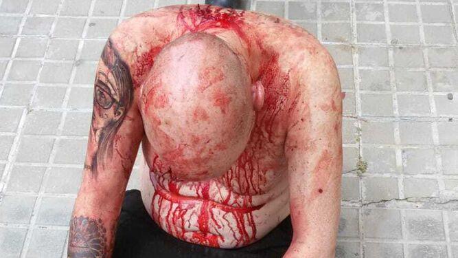 AionSur: Noticias de Sevilla, sus Comarcas y Andalucía San-Juan-Aznalfarache-sangrando-abundantemente_1570653678_138014361_667x375 ¿Qué hay detrás de la brutal agresión a un hombre en San Juan de Aznalfarache? Sucesos